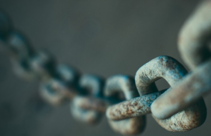 chains_depth_of_field